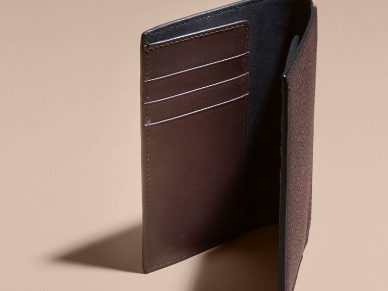 Leather and House Check Passport and Card Holder Wine - cell image 4