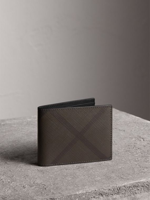 London Check and Leather Bifold Wallet in Chocolate/black