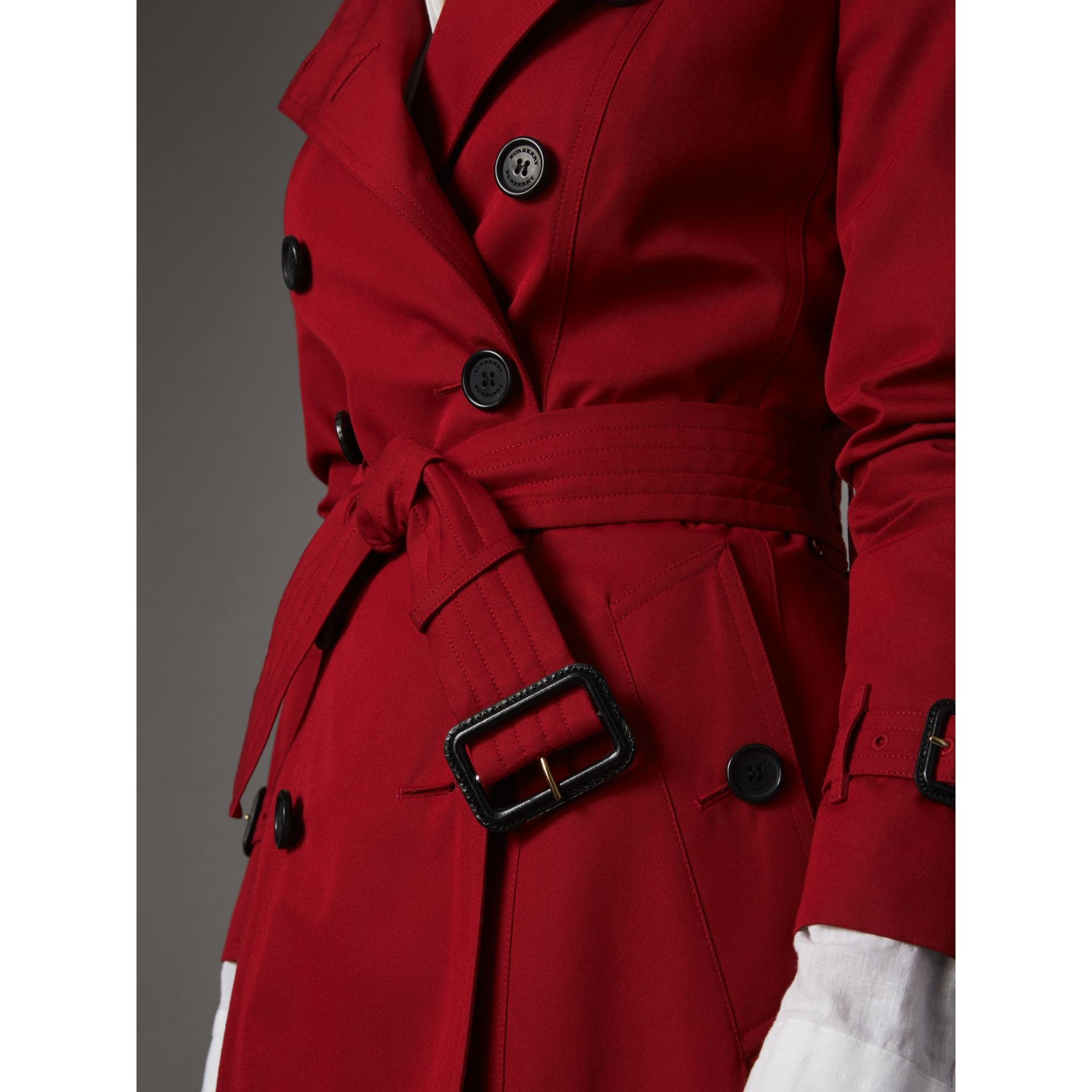 The Chelsea – Short Trench Coat in Parade Red - Women | Burberry Australia - gallery image 5