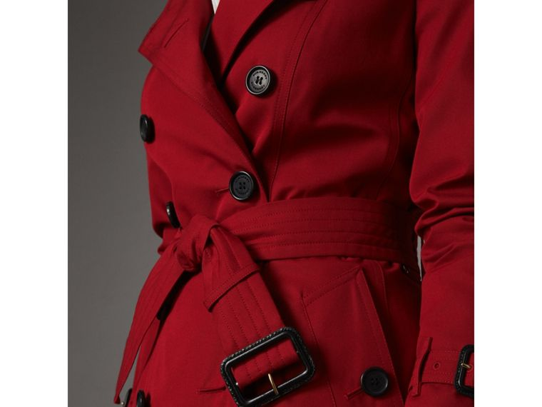 The Chelsea – Short Trench Coat in Parade Red - Women | Burberry Australia - cell image 4