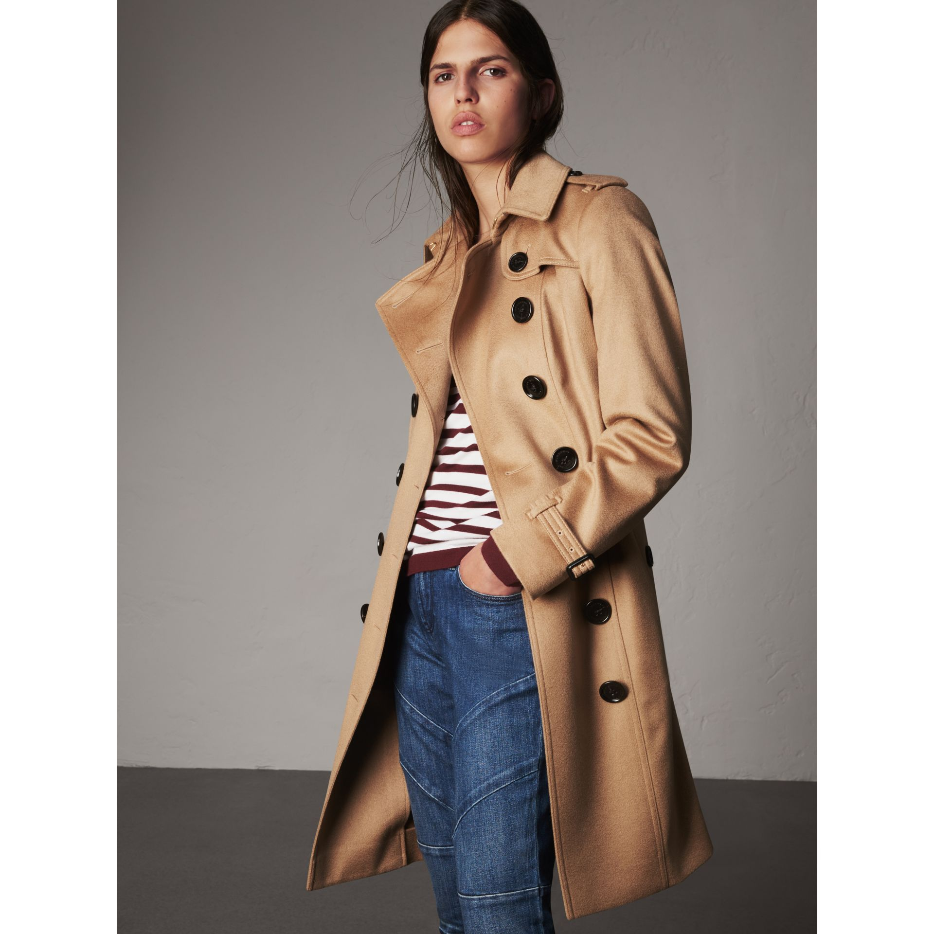 Sandringham Fit Cashmere Trench Coat in Camel - Women | Burberry Canada - gallery image 1