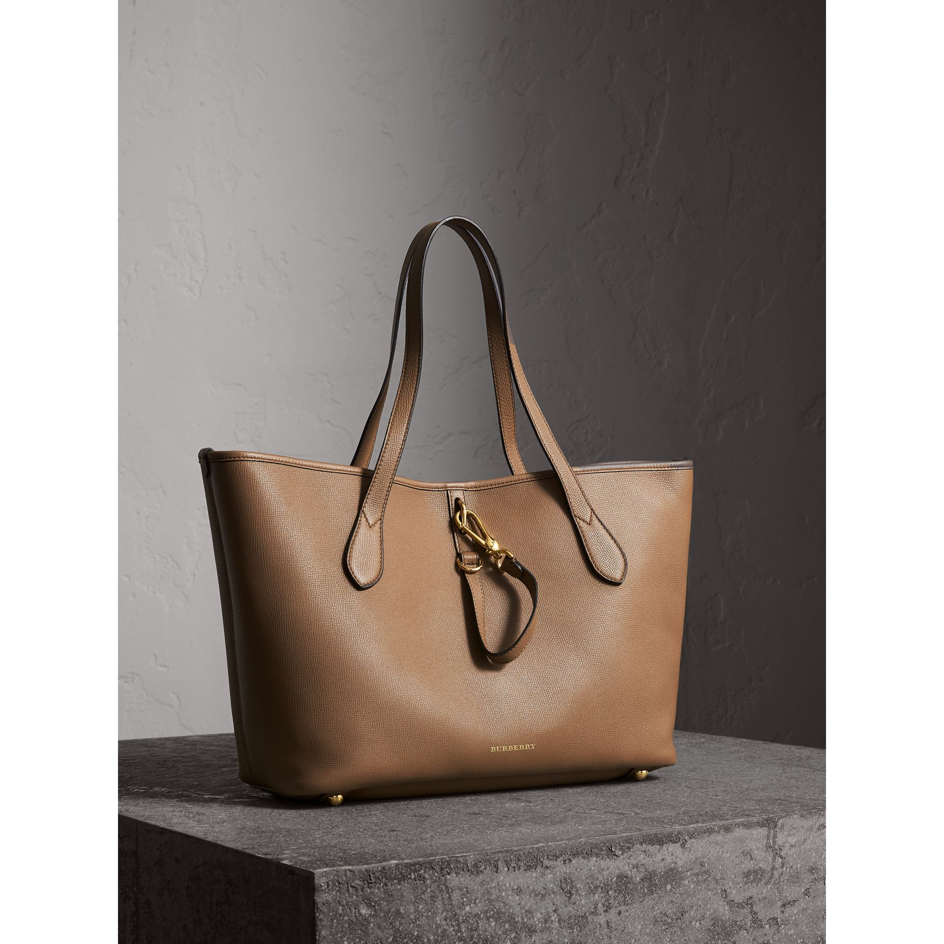Medium Grainy Leather Tote Bag in Dark Sand - gallery image 7