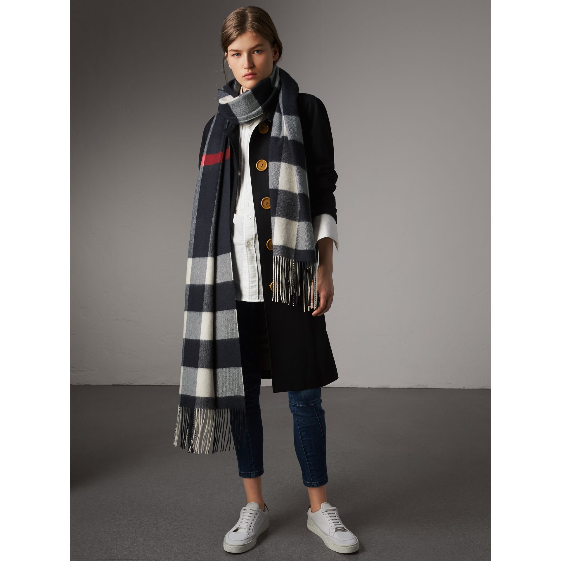 Oversize Check Cashmere Scarf in Navy - Women | Burberry - gallery image 4