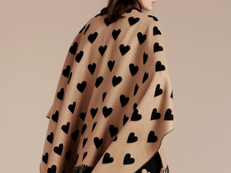 Camel/black Heart Jacquard Merino Wool Poncho Camel/black - cell image 4