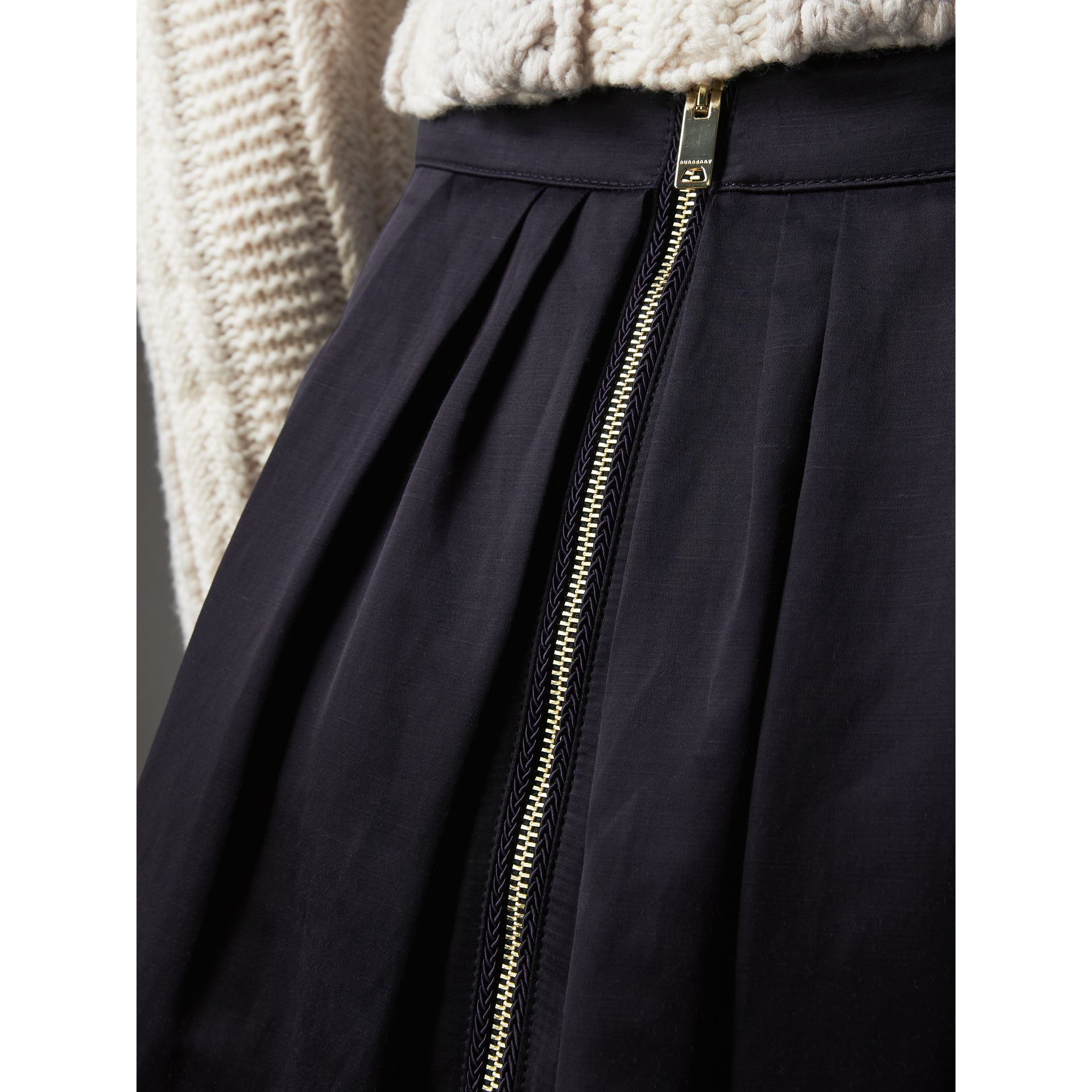 Pleated Linen Cotton Blend Skirt in Navy - Women | Burberry - gallery image 2