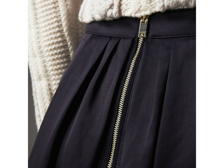 Pleated Linen Cotton Blend Skirt in Navy - Women | Burberry United Kingdom - cell image 1