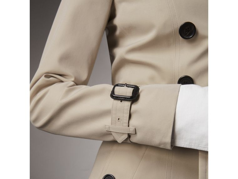 The Chelsea – Long Trench Coat in Stone - Women | Burberry - cell image 4