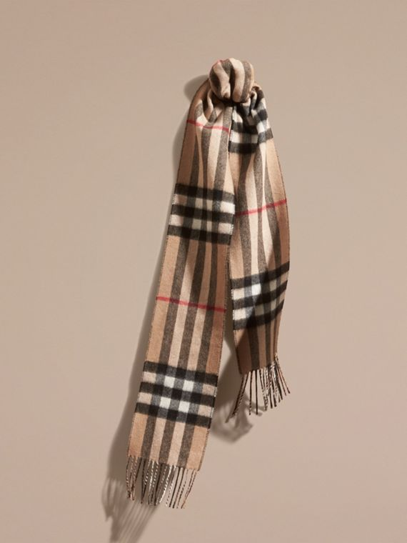 The Slim Reversible Cashmere Scarf in Check Camel/black