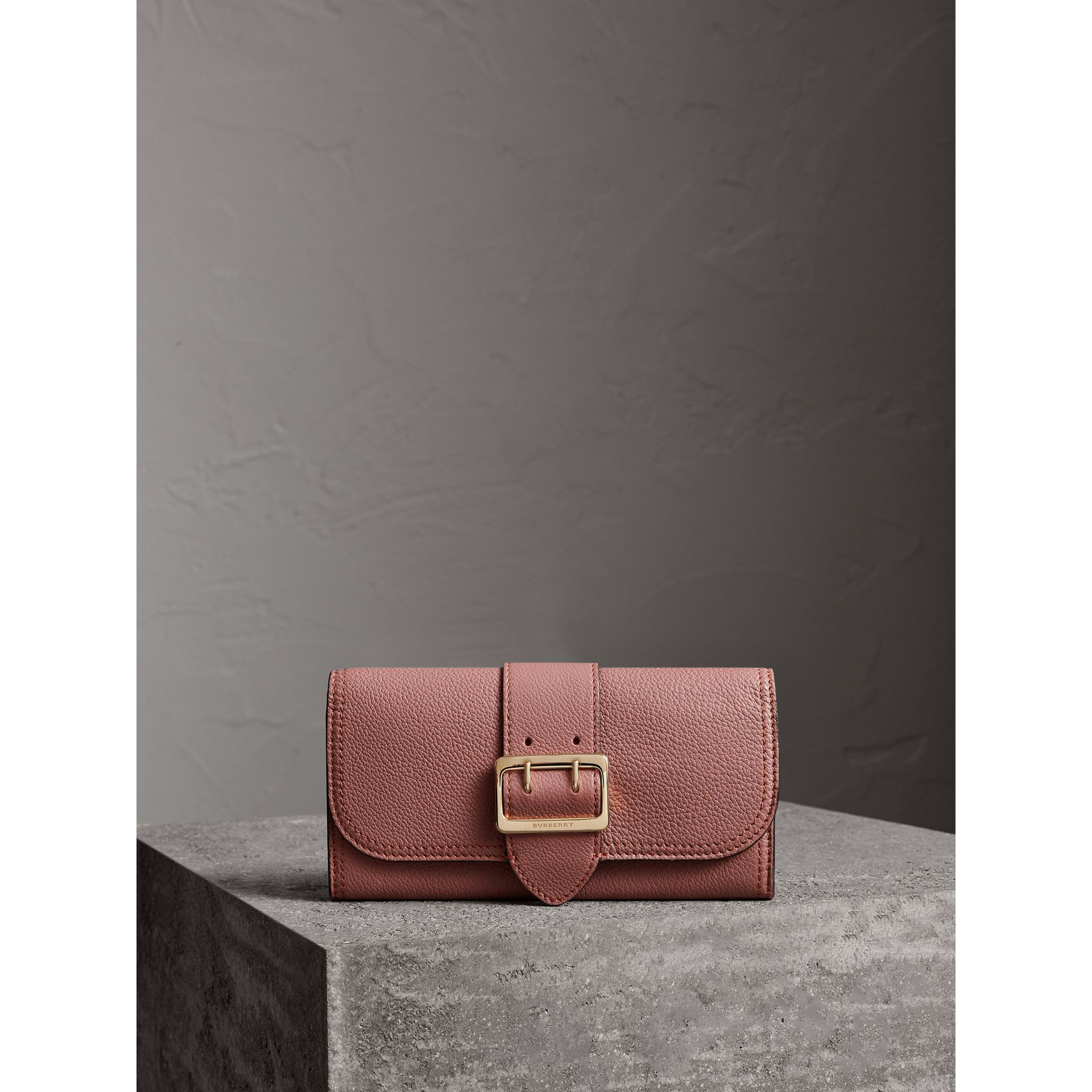 Textured Leather Continental Wallet in Dusty Pink - Women | Burberry United Kingdom - gallery image 5