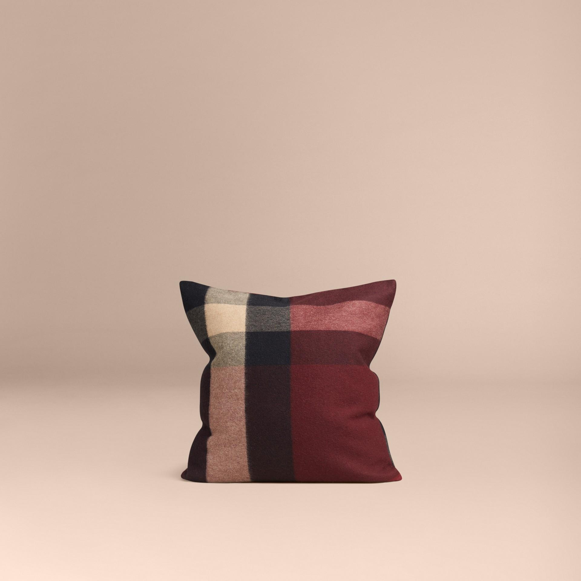 Rosso violetto Copricuscino in cashmere con motivo check Rosso Violetto - immagine della galleria 3