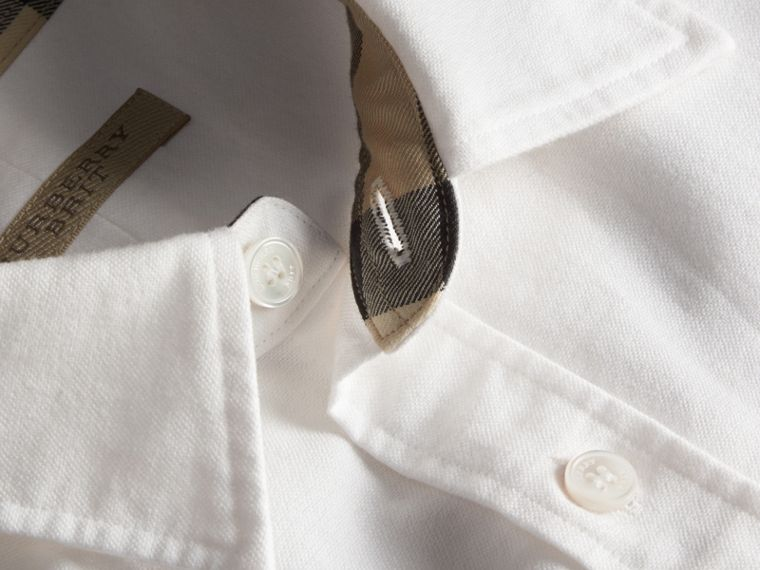 Check Detail Short-Sleeved Cotton Oxford Shirt in White - cell image 1