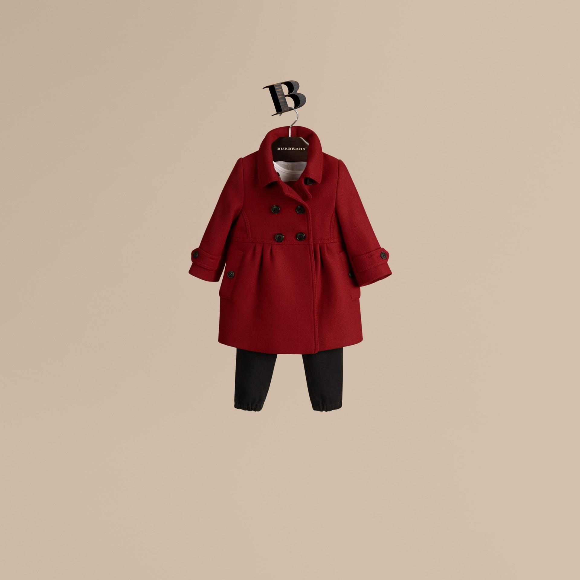 Rouge prune Manteau militaire ajusté en laine et cachemire mélangés - photo de la galerie 1
