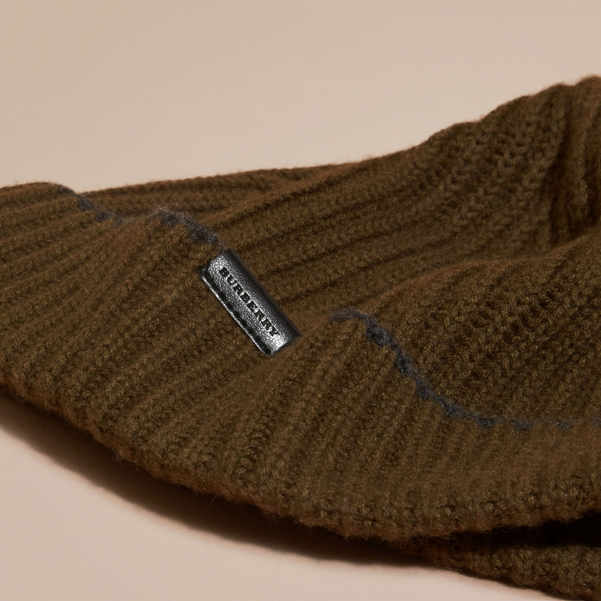 Ribbed Cashmere Beanie with Border Detail in Olive/charcoal - gallery image 3