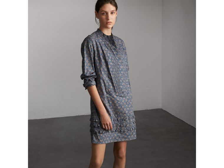 Pintuck Bib Leaf Print Cotton Shirt Dress in Steel Blue - Women | Burberry - cell image 4