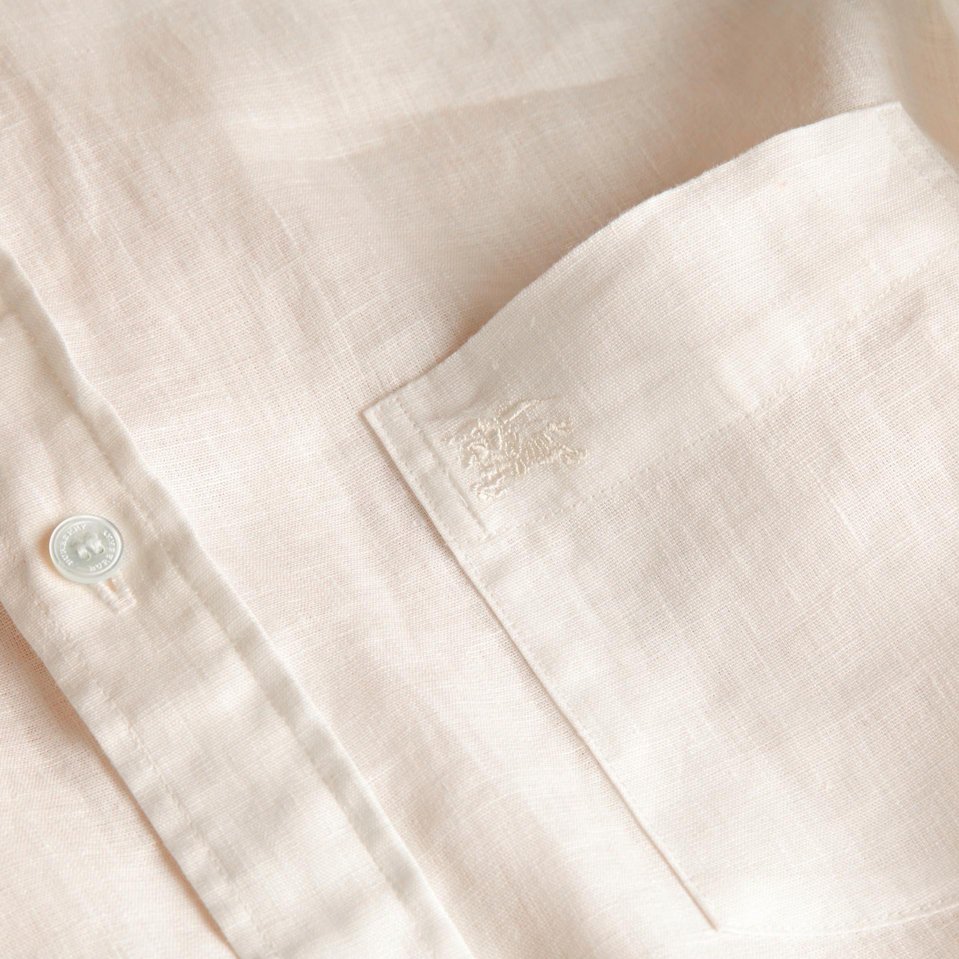 Blanco Camisa en lino con cuello abotonado Blanco - imagen de la galería 2