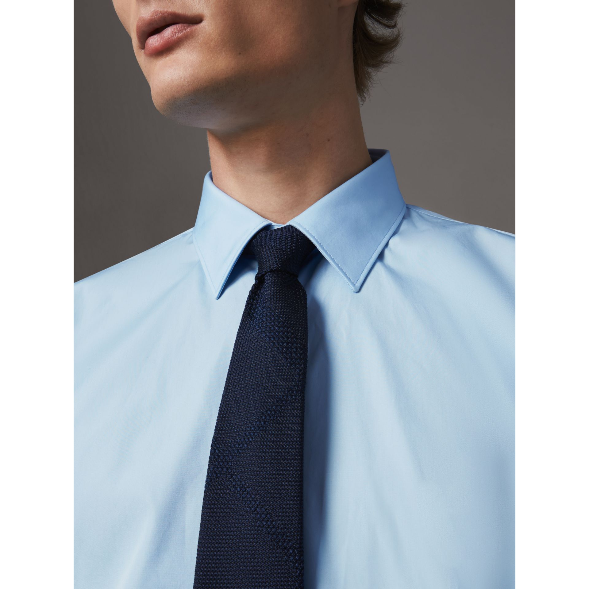 Modern Fit Cotton Poplin Shirt in City Blue - Men | Burberry Hong Kong - gallery image 2