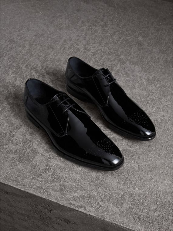 Broguing Detail Polished Leather Derby Shoes in Black