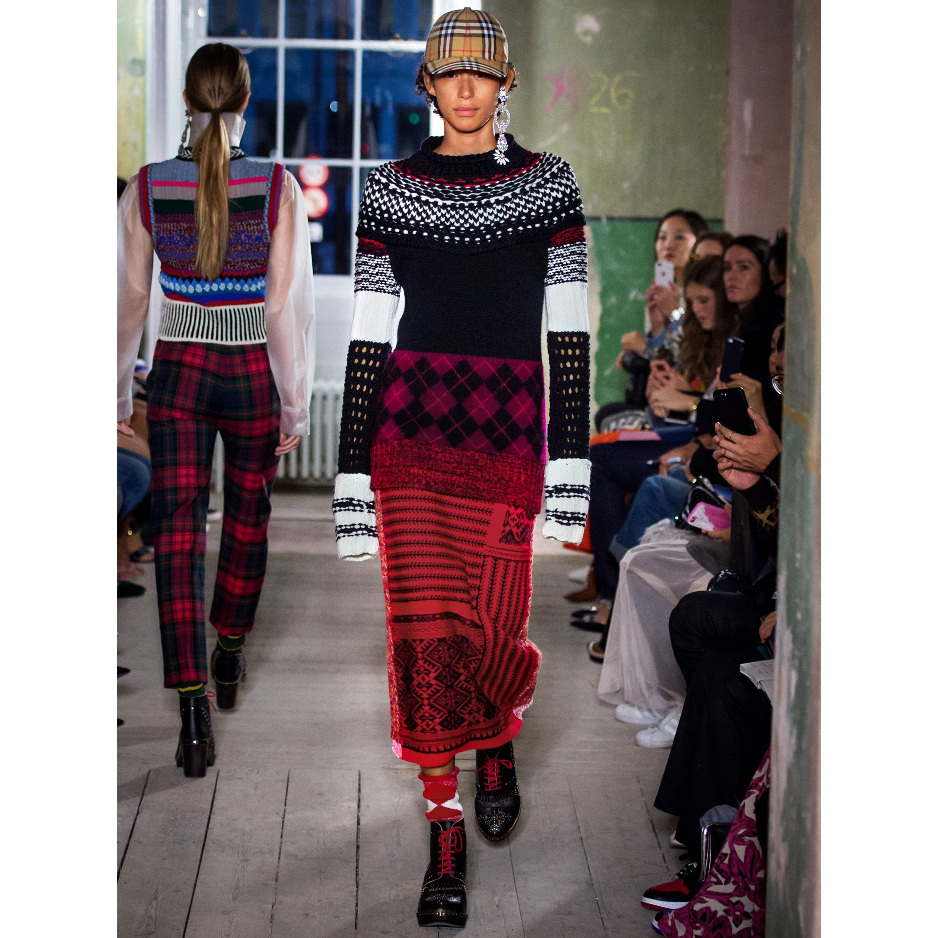 Geometric and Cable Knit Wool Cashmere Skirt in Red/black - Women | Burberry Australia - gallery image 5