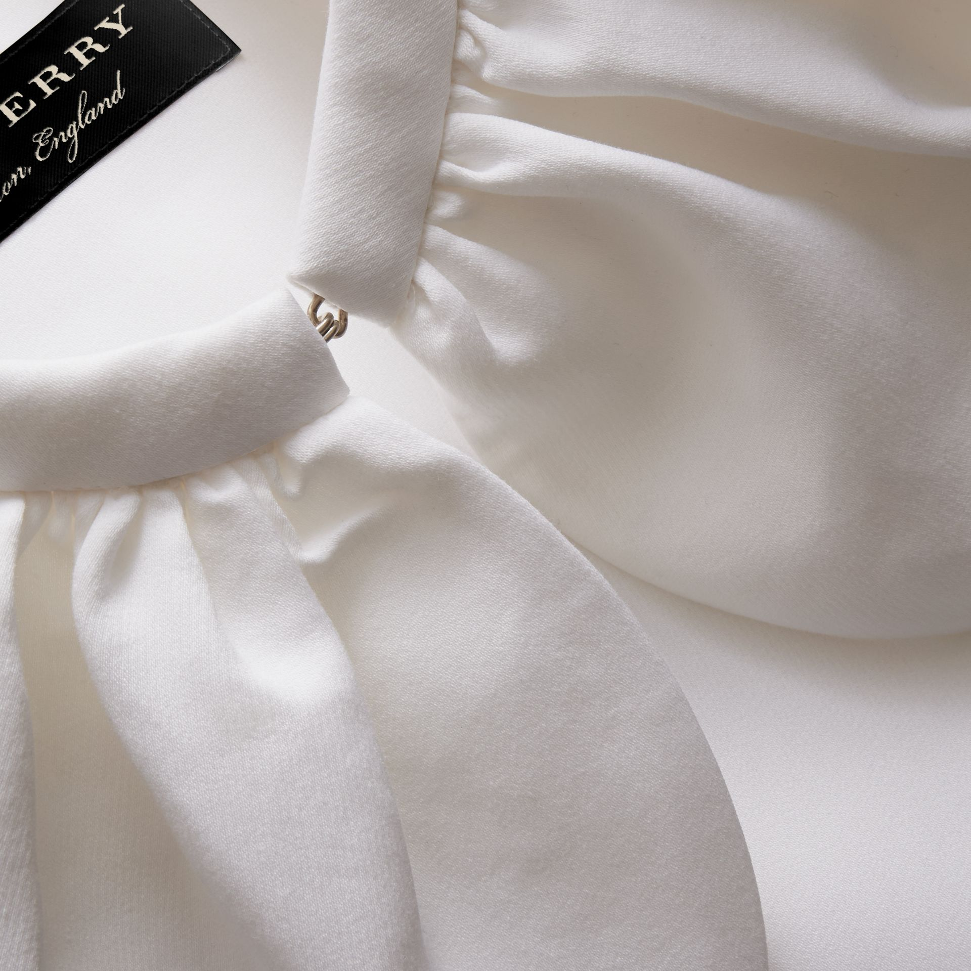 Cropped Cotton and Silk Cape in White - Women | Burberry - gallery image 2
