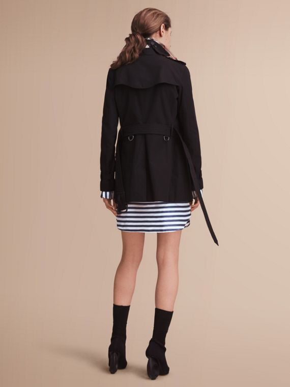 The Kensington – Short Heritage Trench Coat in Black - cell image 2