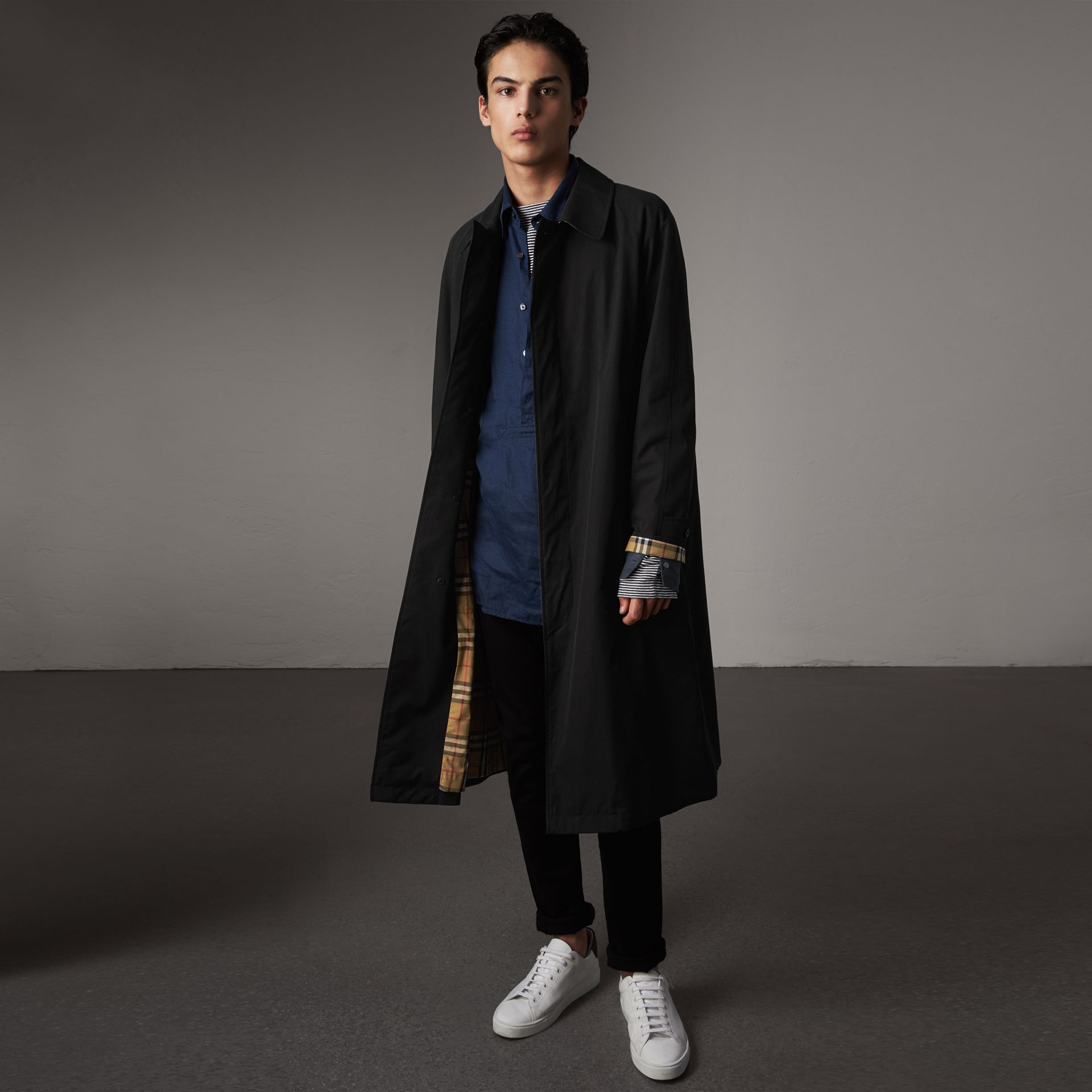 The Brighton – Extra-long Car Coat – Online Exclusive in Black - Men | Burberry United Kingdom - gallery image 0