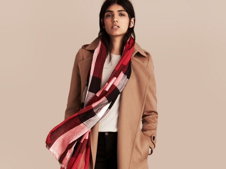 Check Modal Cashmere and Silk Scarf in Parade Red | Burberry Australia - cell image 2