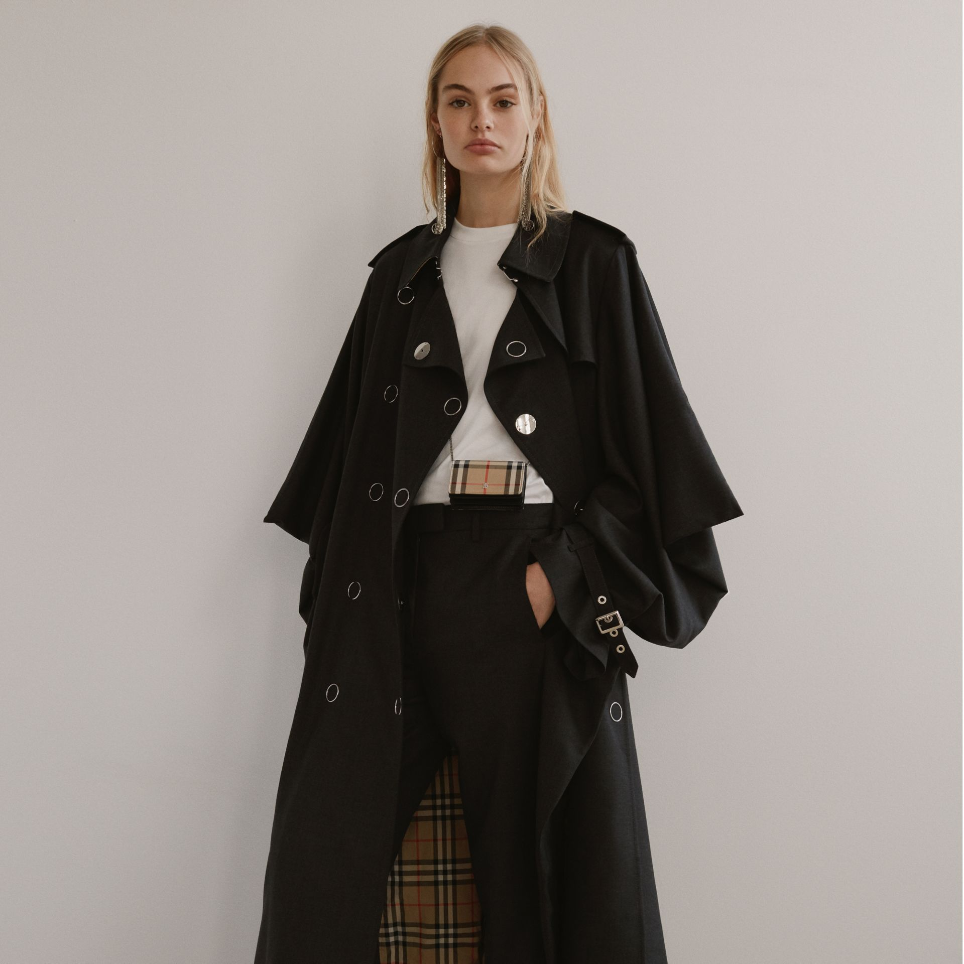 Cape-style Sleeve Cotton Gabardine Trench Coat in Black - Women | Burberry Singapore - gallery image 1
