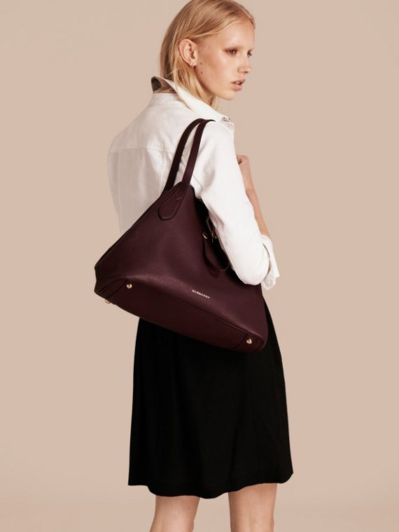 Medium Grainy Leather Tote Bag in Mahogany Red - Women | Burberry Hong Kong - cell image 2
