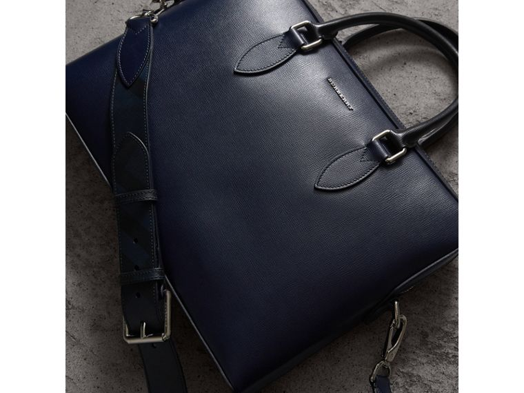 The Slim Barrow in London Leather in Dark Navy/black - cell image 4