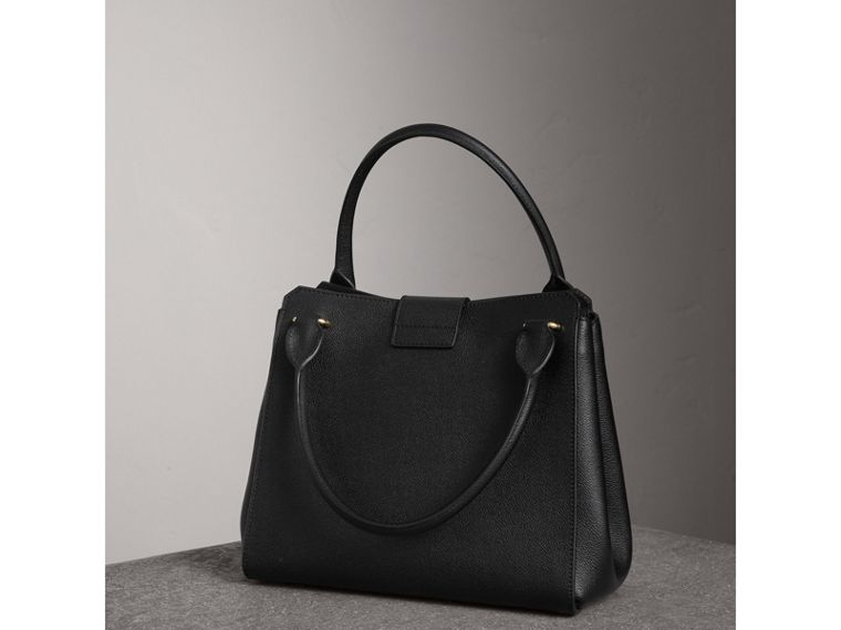 The Medium Buckle Tote in Grainy Leather in Black - Women | Burberry Singapore - cell image 4