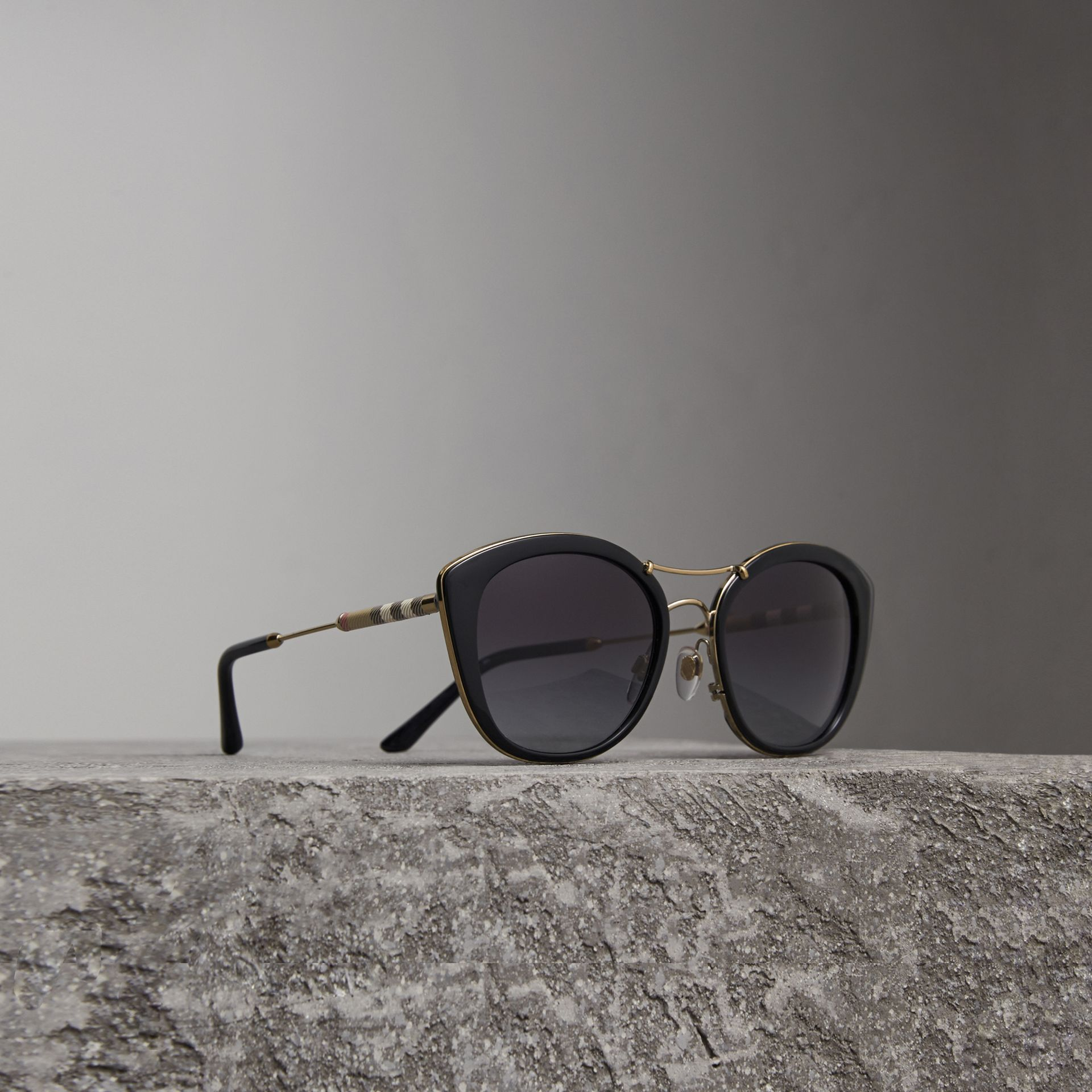 Check Detail Round Frame Sunglasses in Black - Women | Burberry Canada - gallery image 0