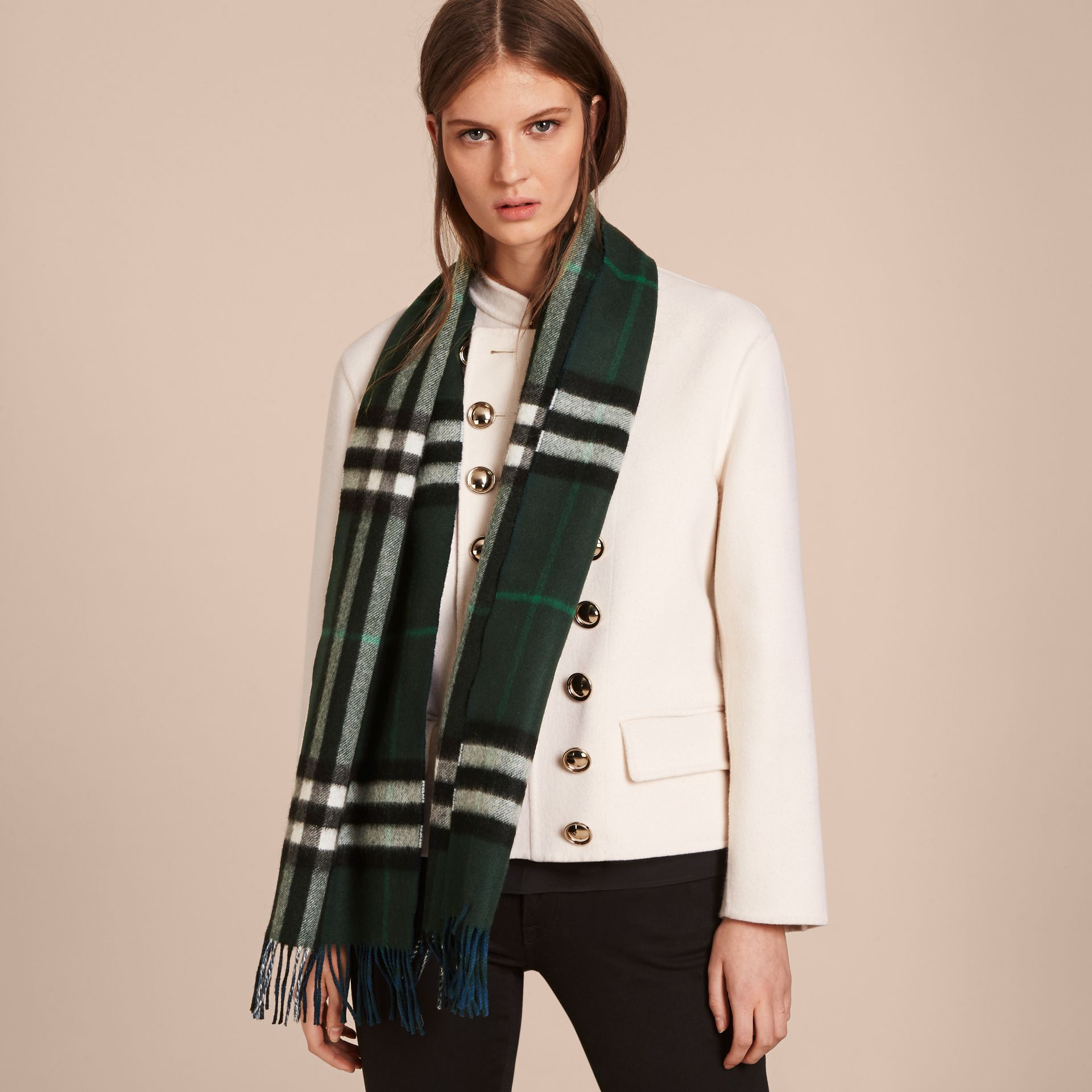 Reversible Check Cashmere and Block-colour Scarf Dark Forest Green/marine Blue - gallery image 3