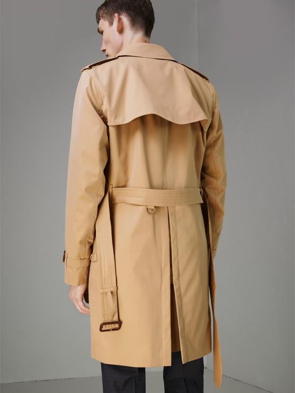 The Kensington Heritage Trench Coat in Honey - Men   Burberry United Kingdom - cell image 2