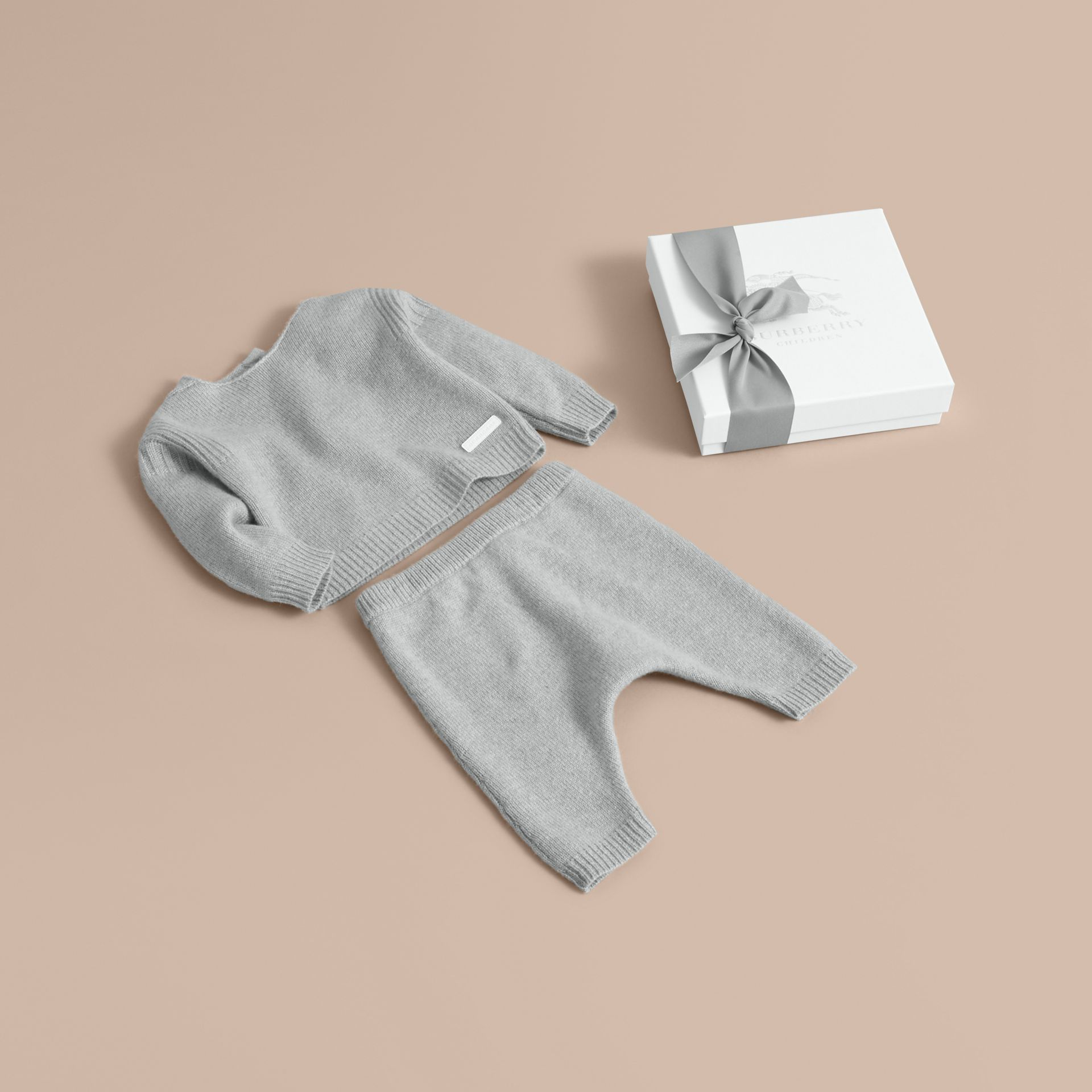 Cashmere Two-piece Baby Gift Set in Pale Mint | Burberry - gallery image 1