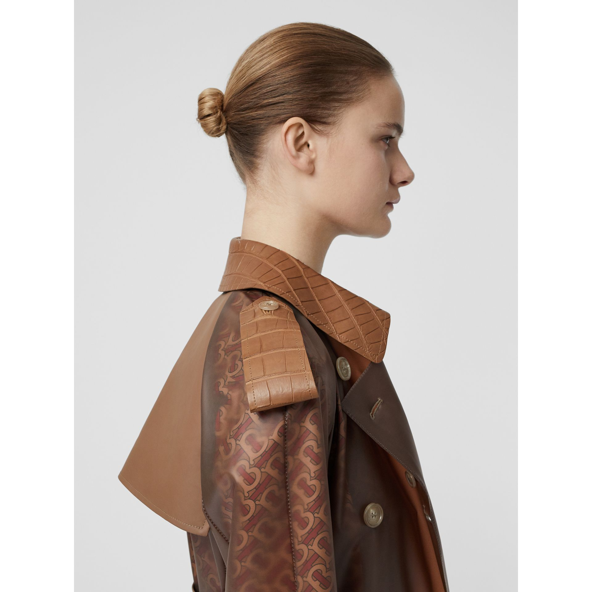Leather Detail Showerproof Trench Coat in Flaxseed - Women | Burberry - gallery image 5