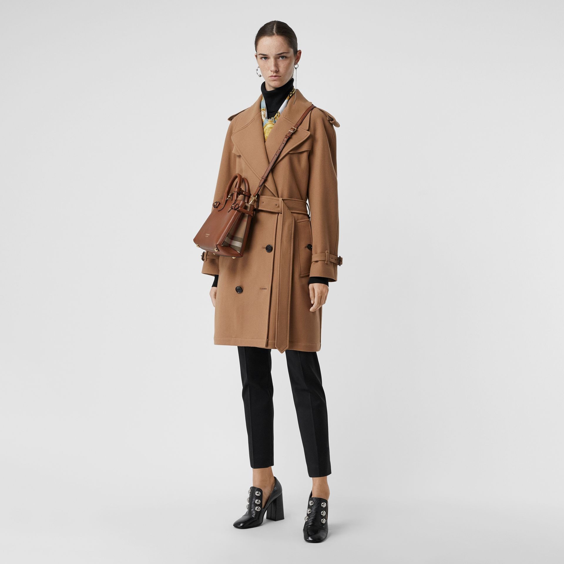 The Small Banner in Leather and House Check in Tan - Women | Burberry United Kingdom - gallery image 2
