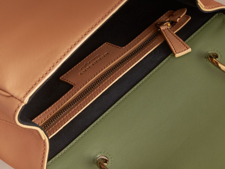 The Medium DK88 Top Handle Bag Pale Clementine/moss Green - cell image 4