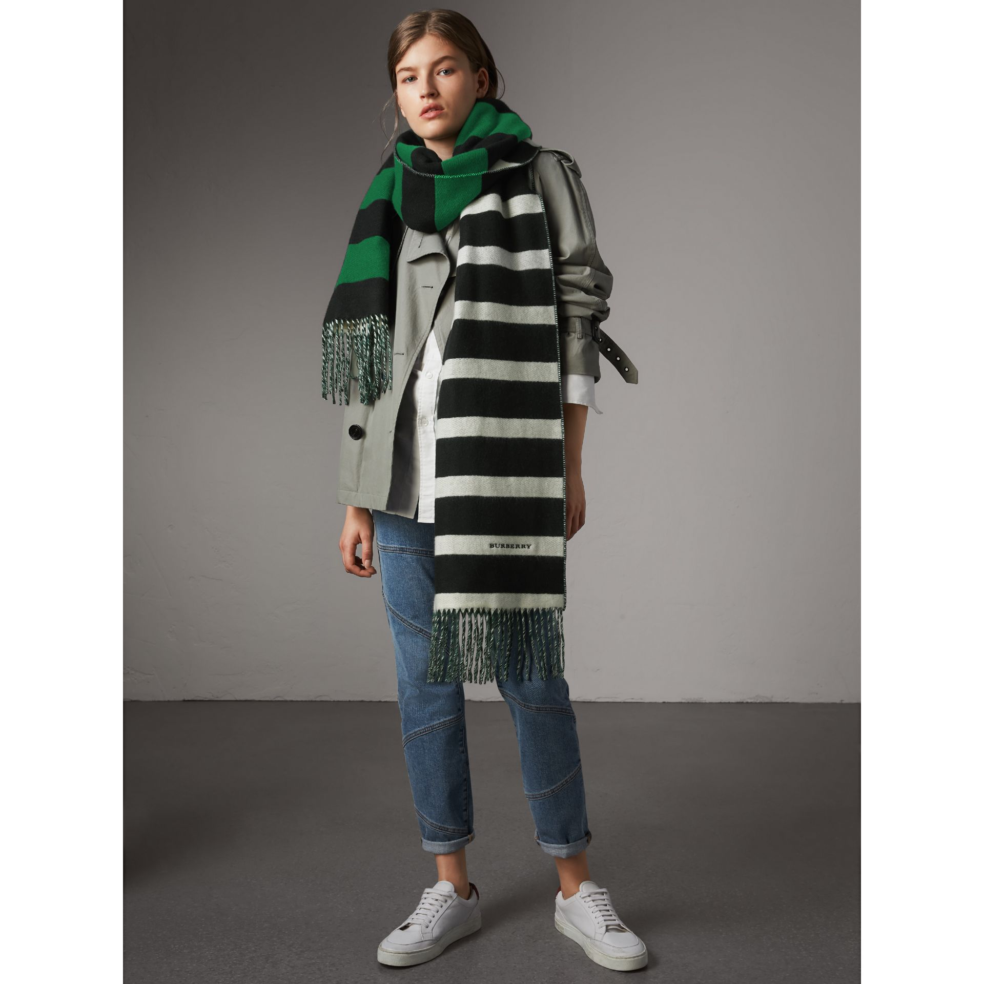 Colour-block Striped Wool Cashmere Scarf in Emerald Green/black | Burberry - gallery image 3