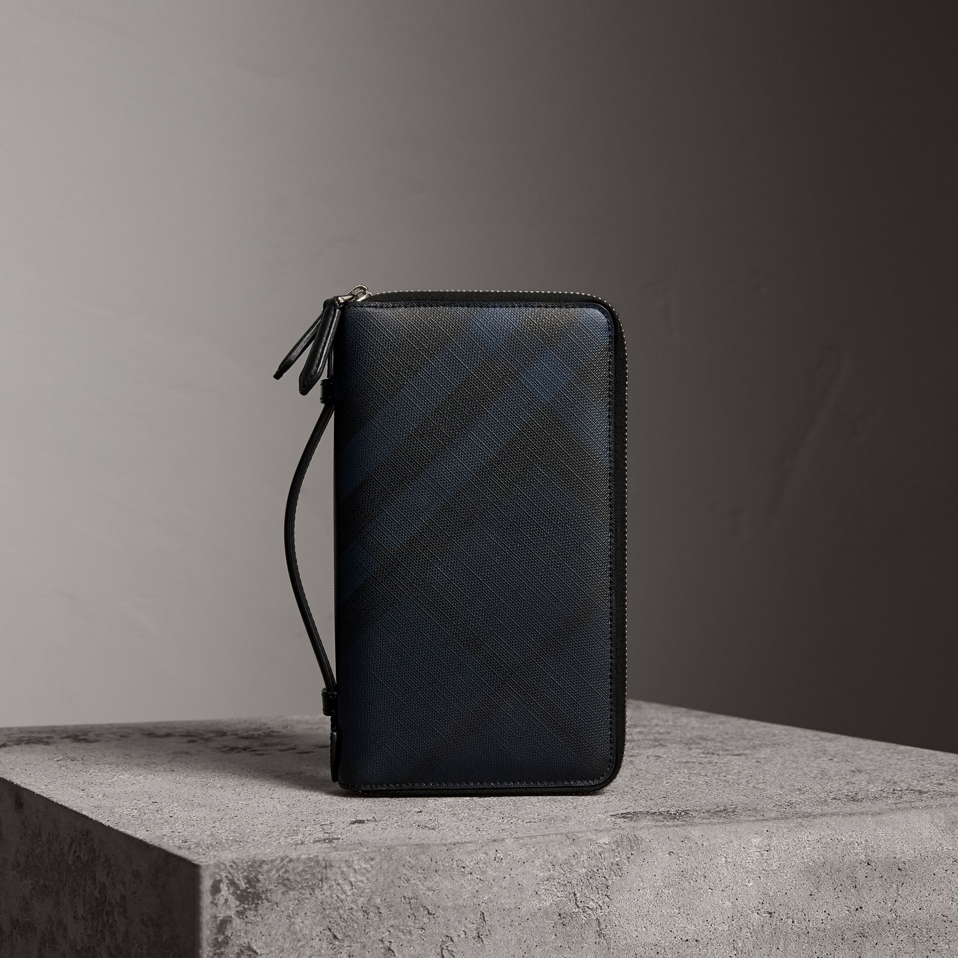 London Check Travel Wallet in Navy/black - Men | Burberry Canada - gallery image 0