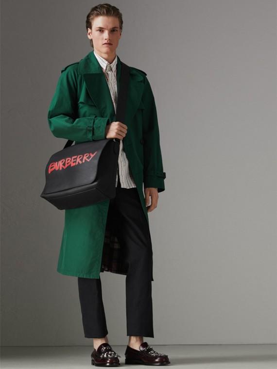 Große Messenger-Tasche aus Leder mit Graffiti-Aufdruck (Schwarz) - Herren | Burberry - cell image 2