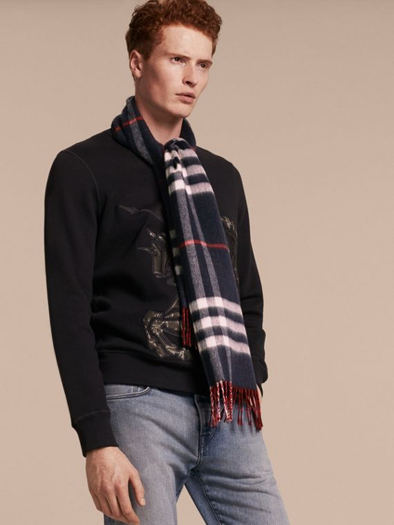 Reversible Check Cashmere and Block-colour Scarf in Navy | Burberry - cell image 3