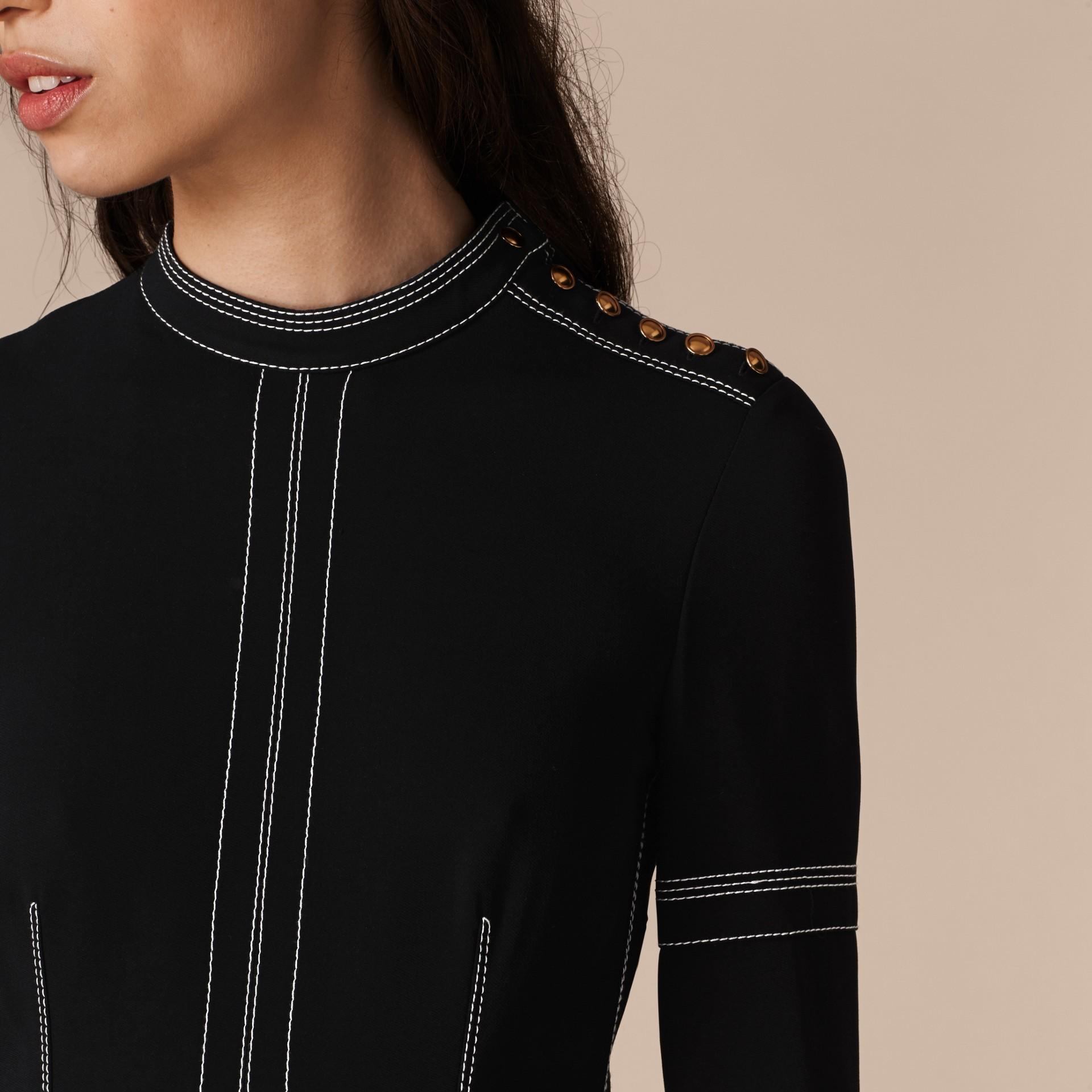 Черный Узкое платье в стиле милитари - изображение 5