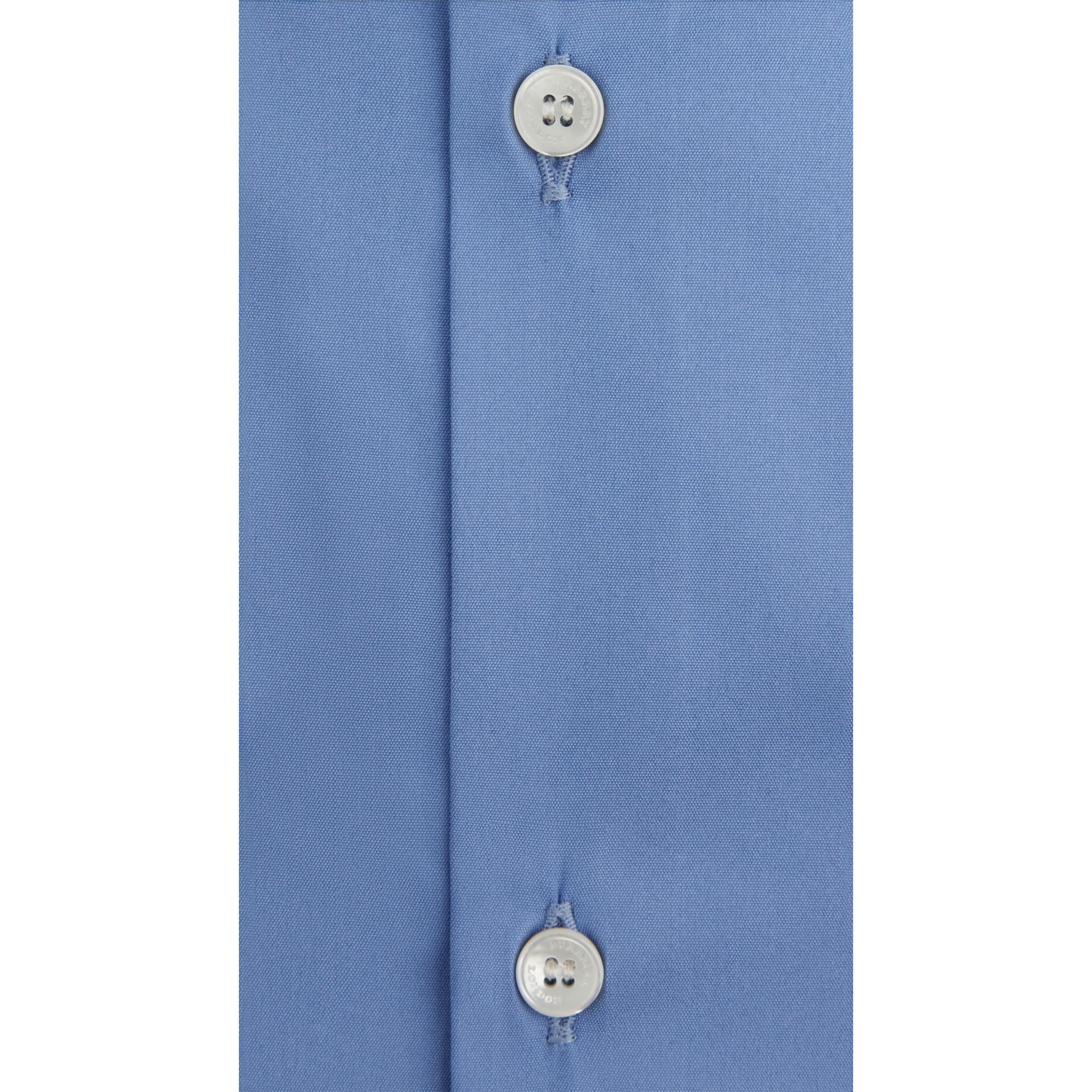 Camicia sfiancata in misto cotone stretch (Blu Medio) - Uomo | Burberry - immagine della galleria 4