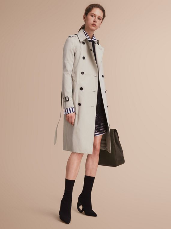 The Kensington – Extra-long Heritage Trench Coat in Stone - Women | Burberry