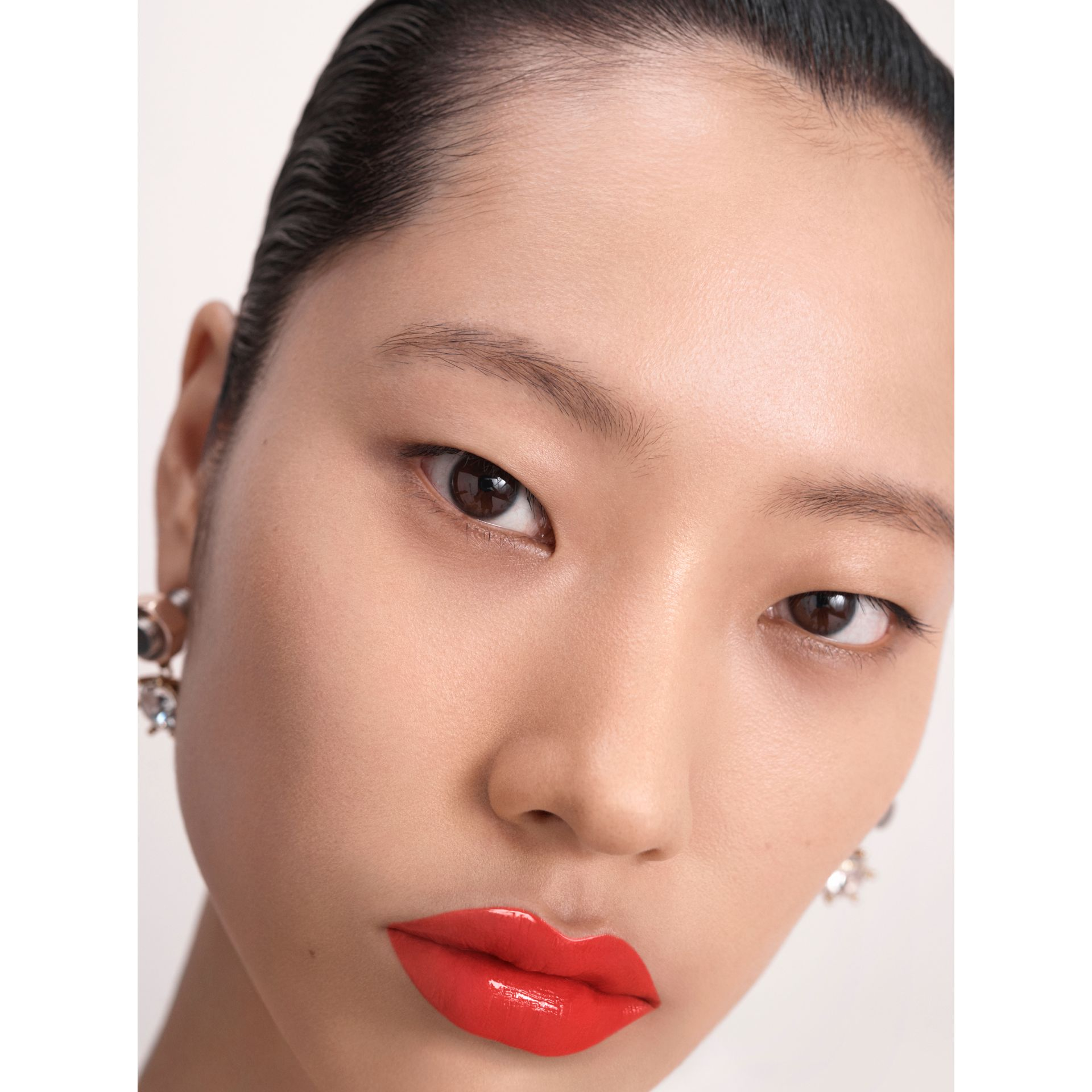Burberry Kisses Lip Lacquer – Bright Coral No.26 - Women | Burberry Singapore - gallery image 6