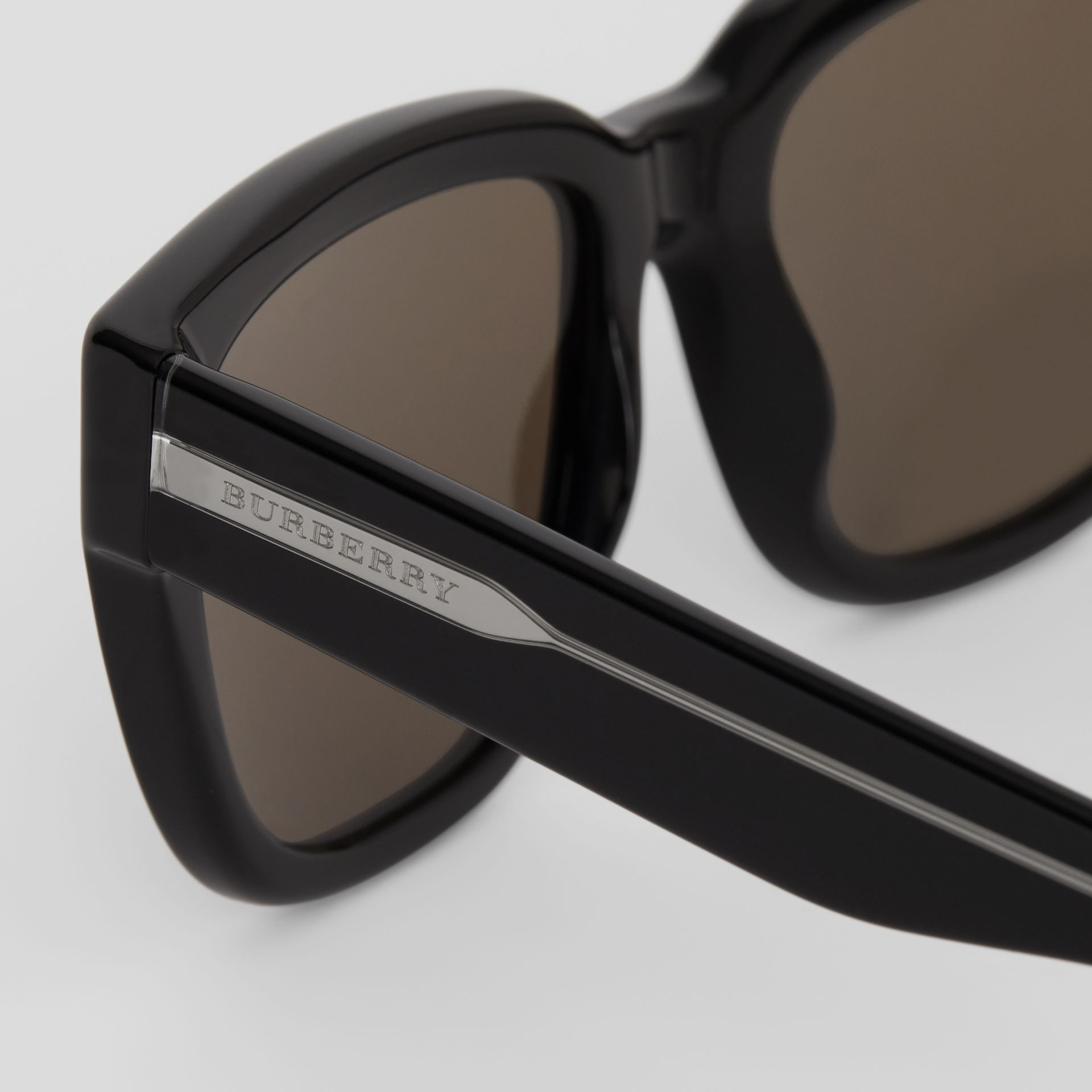 Square Frame Sunglasses in Black - Women | Burberry United States - gallery image 1