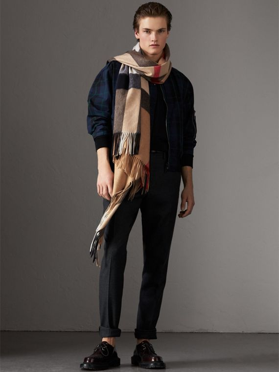 Check Cashmere Wrap in Camel | Burberry - cell image 3