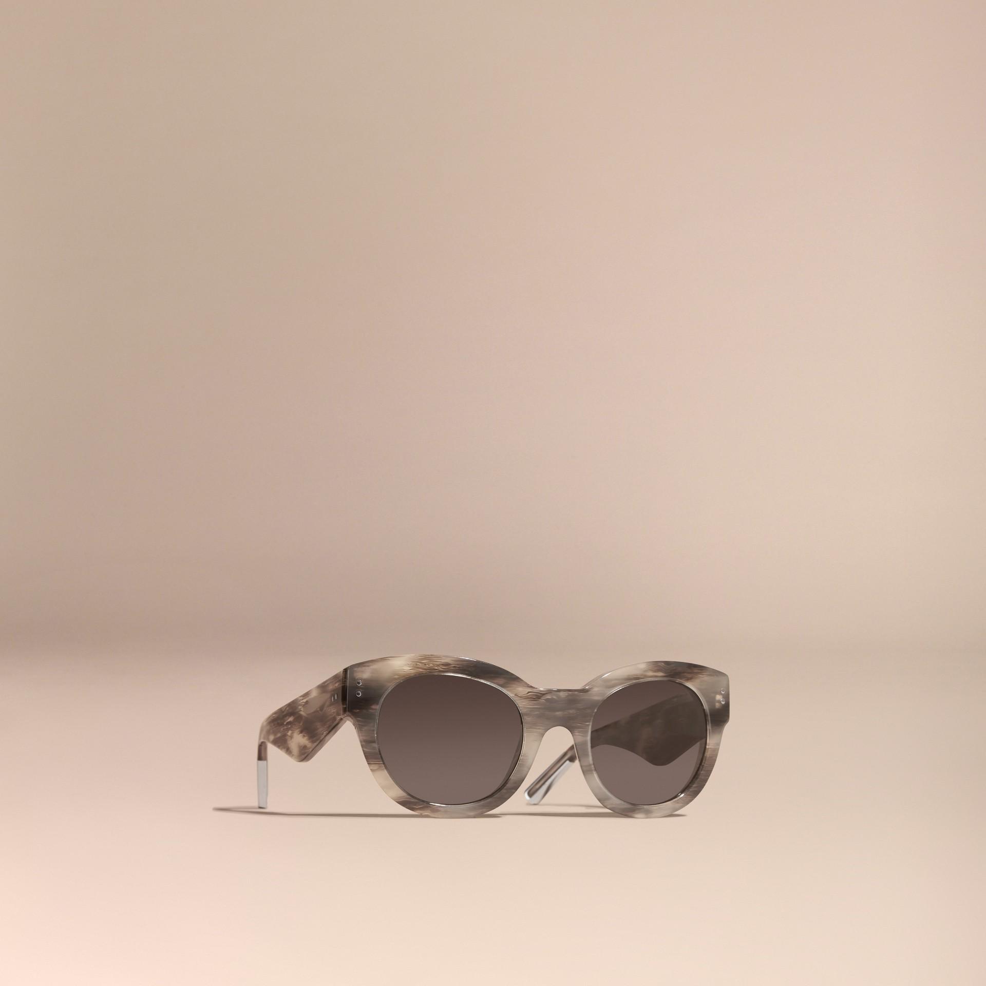 Gris orage Lunettes de soleil à monture œil-de-chat Gris Orage - photo de la galerie 1