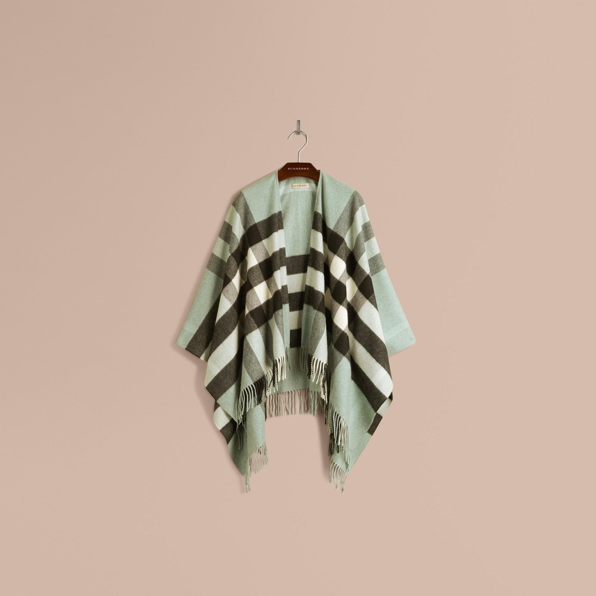 Menthe cendrée Poncho en cachemire et laine à motif check Menthe Cendrée - photo de la galerie 4