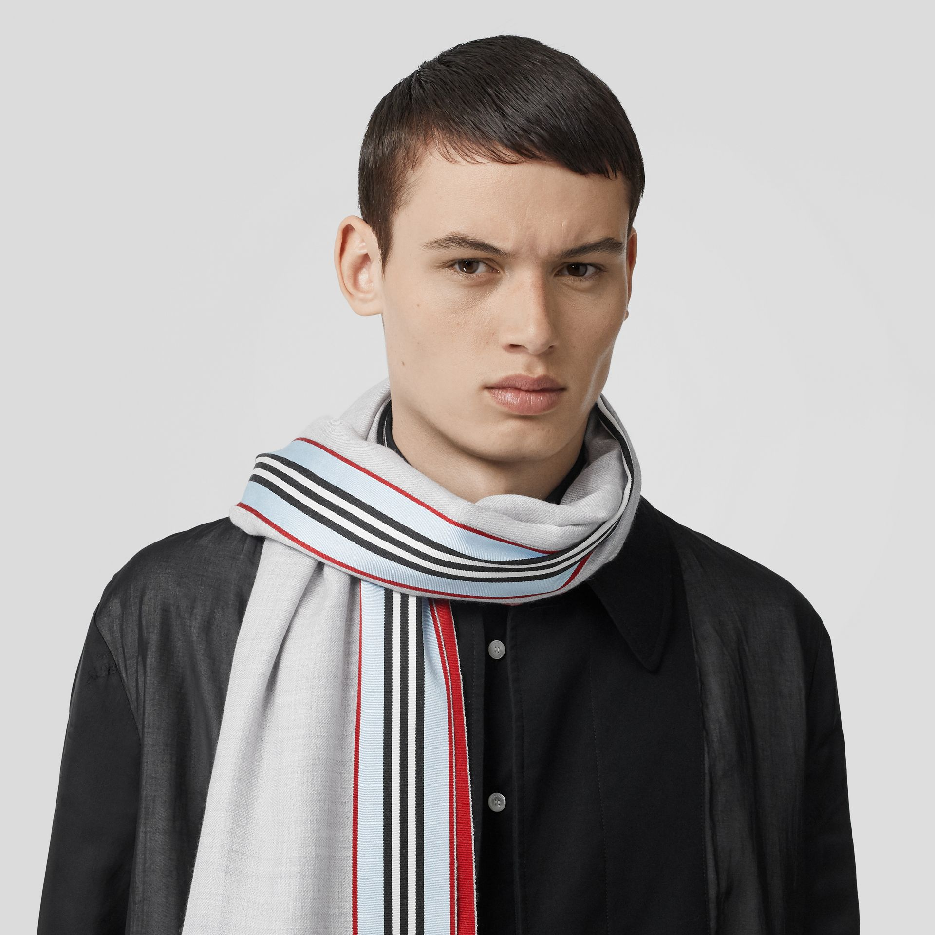 Icon Stripe Cashmere Silk Scarf in Mid Grey Melange | Burberry - gallery image 3